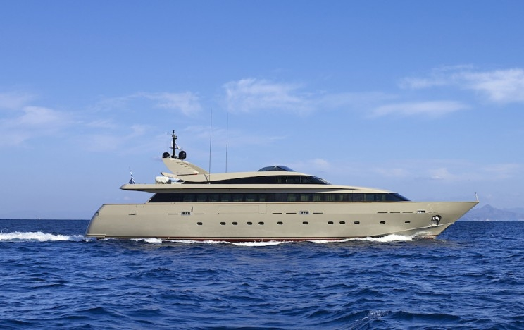 Mega Yacht  Baglietto 120 Feet