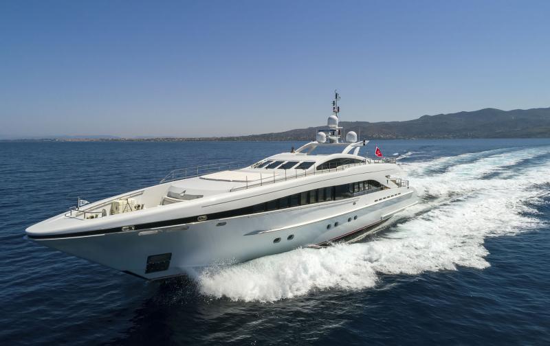 Mega Yacht  Heessen 122 Feet
