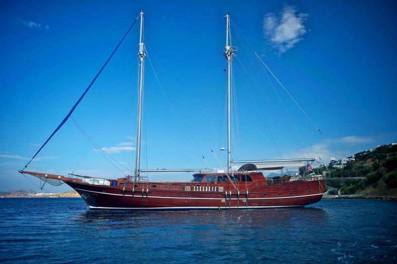 Luxury Traditional Motor Sailer (Gulet) 92 Feet