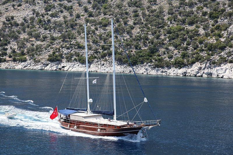Luxury Traditional Motor Sailer (Gulet) 85 Feet