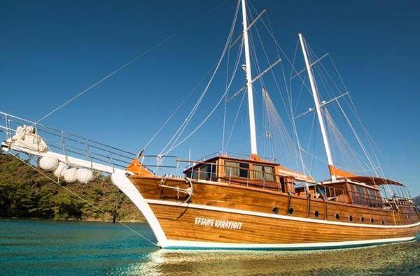 Luxury Traditional Motor Sailer (Gulet) 98 Feet