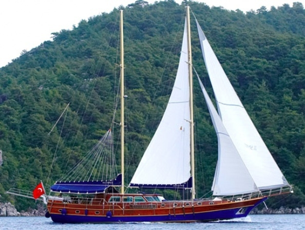 Luxury Traditional Motor Sailer (Gulet) 95 Feet