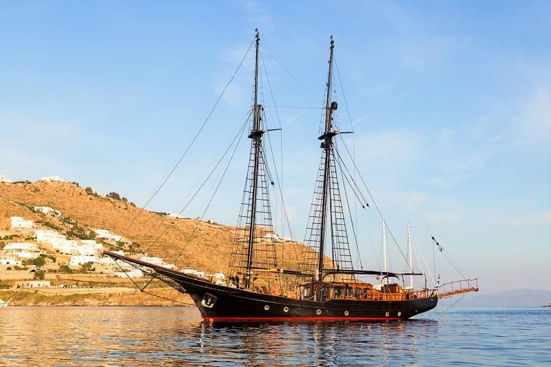 Luxury Motor Sailer (Schooner) 83 Feet