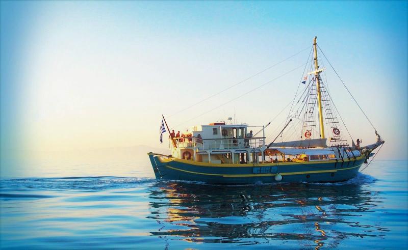 Tranditional DAY Cruise Motor Sailer 72 Feet, refit 1998