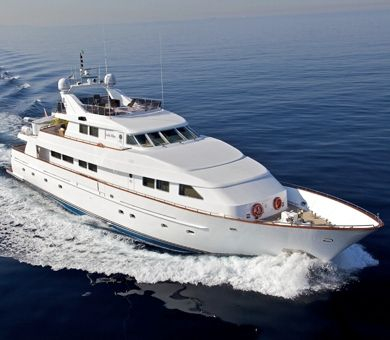 Mega Yacht  Benetti 121 Feet
