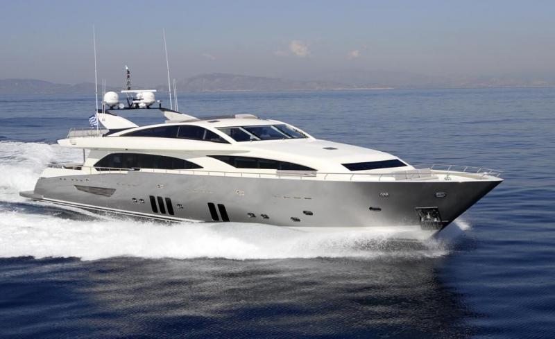 Mega Yacht  Guy Couach 121 Feet