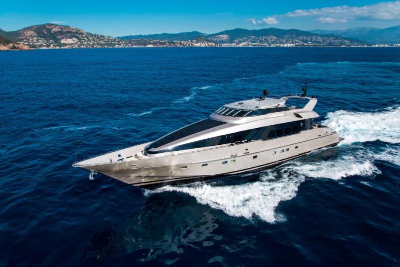 Mega Yacht  Heesen 120 Feet