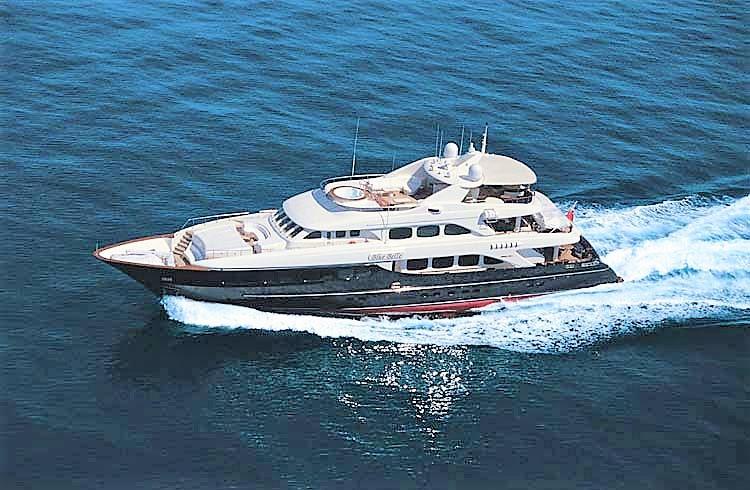 Mega Yacht  Mondomarine 133 Feet