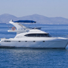M/Y Robertson & Caine Lion 464 Fly
